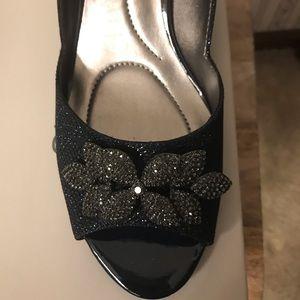 Ladies Shoes 10 M. NIB Bandilino